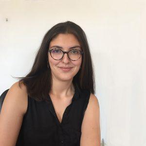 Annelise Mekersi chargée de l'action culturelle Comparses et Sons
